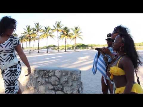 @ImCaramelKitten twerks for 3 female fans on South Beach. Asks favorite Position.