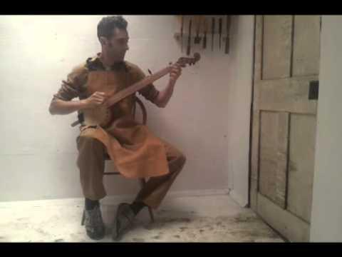 The Boatman gourd banjo