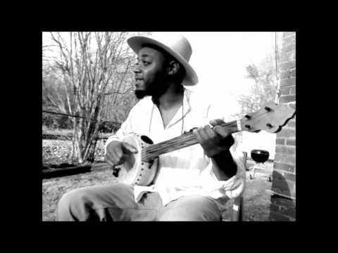 "Cedric Watson on gourd banjo ""Beans"""