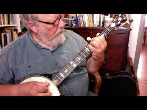 """Lyon & Healy """"Mystic"""" Banjo"""