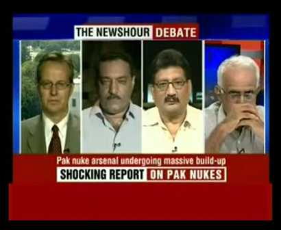 Pak rtrd general slaps stupid Indian journalist