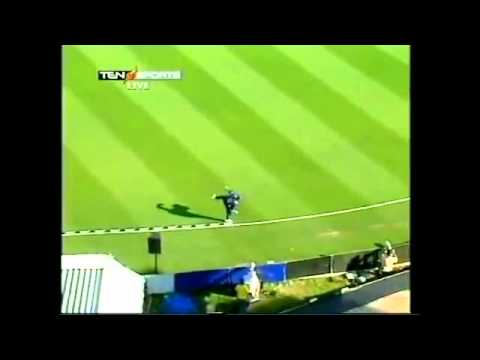 10 Amazing Catches in Cricket History.