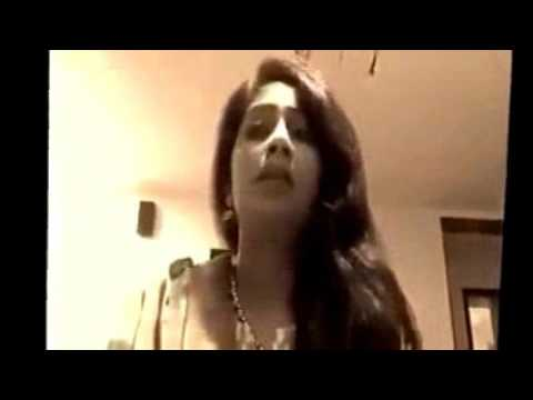 Desi Girl Singing In Awesome Malodious voice zaqs