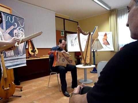 Ce fut le Jour con ClaviArpa (disegnata da Giorgione) e Salterio