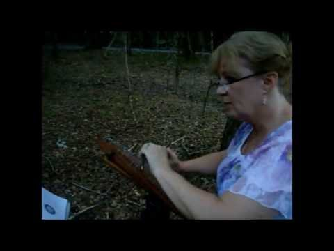 Hornpipe from Abdelazer played on the bowed psaltery by Brenda Mangan