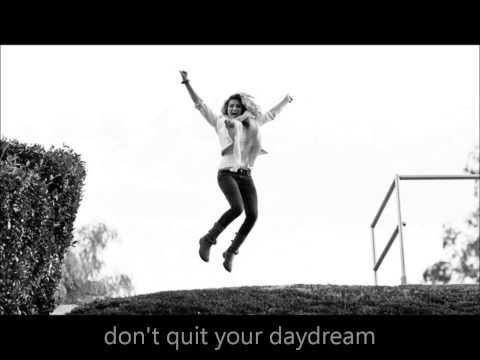 Tori Kelly - DayDream (Lyrics)