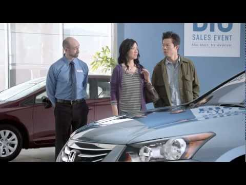 Chinese Couple Buying a Car - Funny Honda Commercial