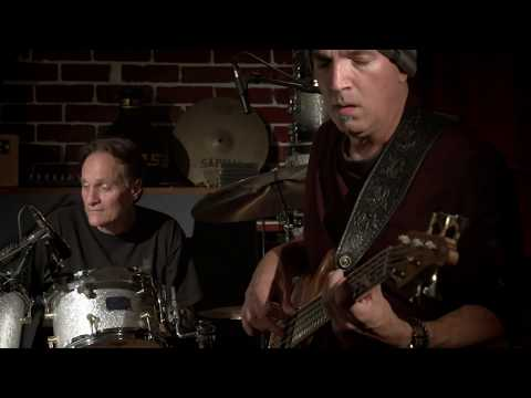 Bob Holz and Friends at Groove Gallery- RipTide (live)