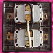 AC selector switch