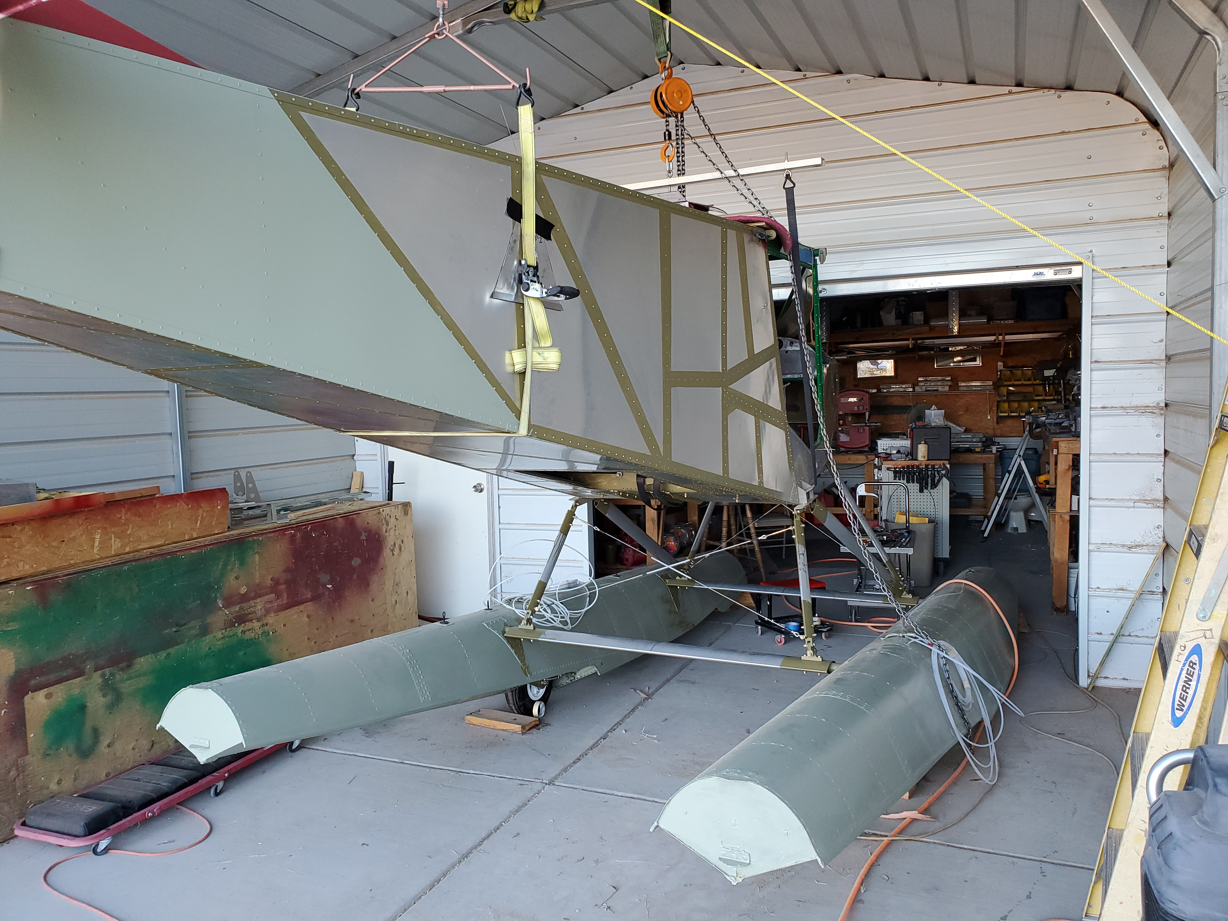 STOL CH 701 amphibious floats
