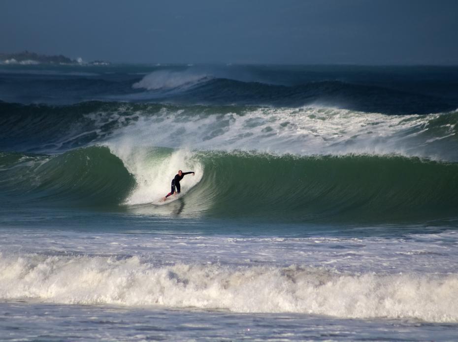 Light cast on the wave