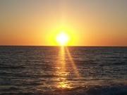 Закат лучезарного солнца.