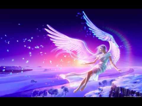 """Алла Пугачева, полная версия песни """"Нас бьют, мы летаем"""", 2014 год."""