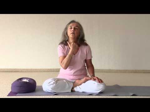 Uddhiyana Bandha and Nauli explained - Narayani talks about the benefits of these 2 Yoga Kriyas