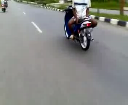 amazing motorbike trick...
