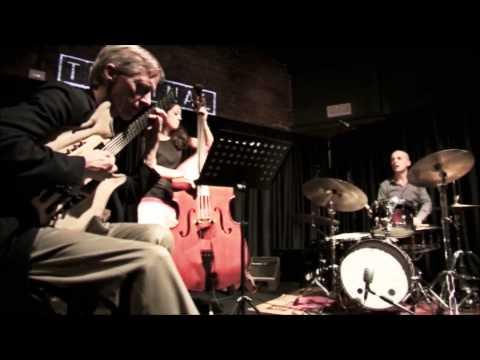 John Stowell trio - Footprints