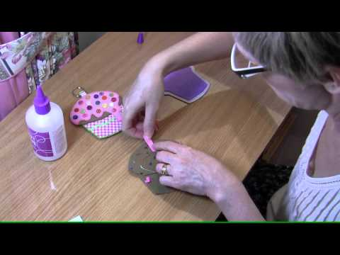How to make a cupcake in felt  tutorial