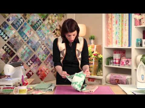 Holiday Patchwork: Gorgeous, Not Gaudy! with Quilty