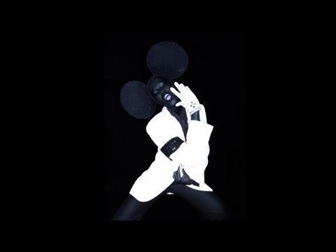 SHOWstudio: Hatstand - Nick Knight / Philip Treacy / Ruth Hogben / Darren Berry