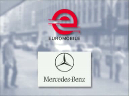 Mercedes moving billboard campagne