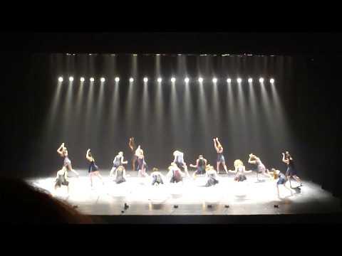 Performance de el programa Masa Dance Journey con al compañia KCDC