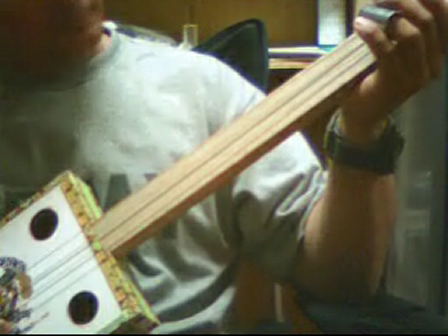 Cigar Box Guitar, tuned GDg