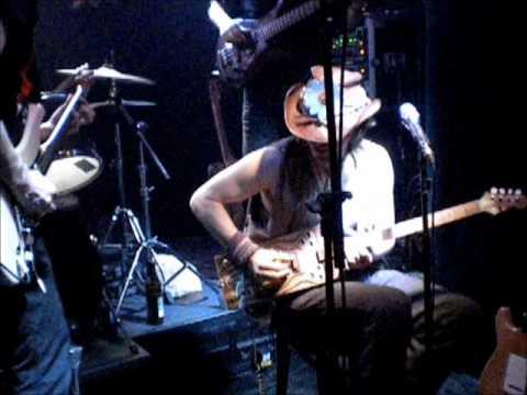 """Klangbox guitar check: """"La Kolomosa"""" by Edi Fenzl"""