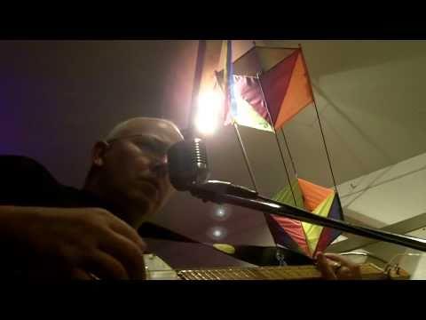 cigar box guitar (Shannandoah: by Ice Bob)
