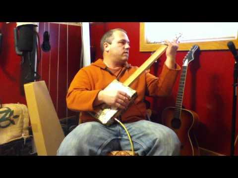 Cigar box guitar #3 Tony T.