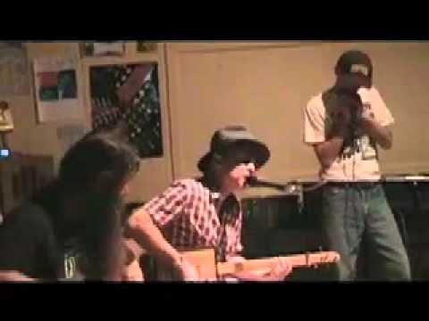 Nigel McTrustry @ The Beechmont Blues Stomp. Cigar box guitar
