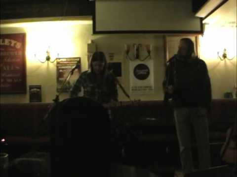 Songsmith Sessions at The Alma - bemuzic - Clips of 3 songs from her new album