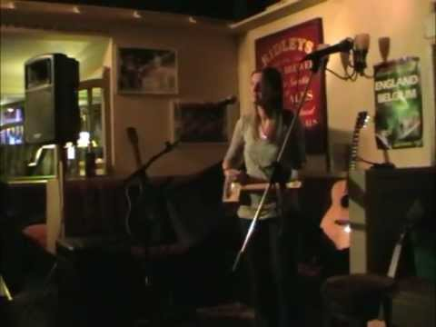 One String Resonator Diddley Bow (Resbow) Live!!