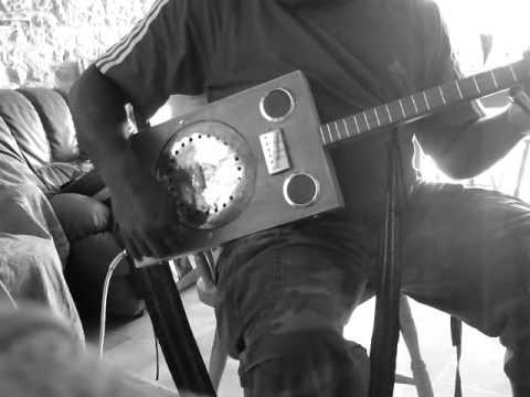 "Essai ...Paint Box Guitar "" Mijote tout .avi"""