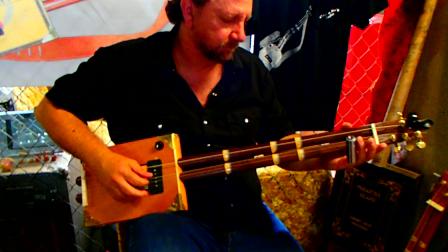 RB playing Toms Lobo