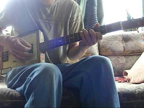 Me & Julio / 3 string cigar box guitar lesson