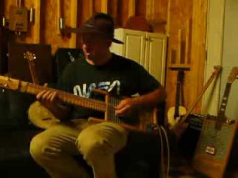 Cottonmouth Perry washboard/bass/guitar jam on a new Ted Crocker instrument