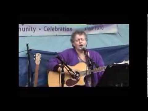 Smarty Pants 196 (Diane DeVillers) live at Saturday Market 9 2 13 part 2