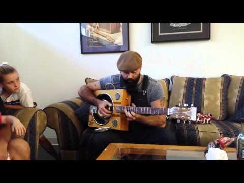 Reverend Peyton bringing his new Turkeychicken guitar to life!