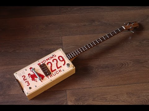 Licence plate guitar - very brief demo