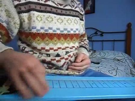 THE POMEDA 3 STRINGS TABLE - bluesyrock