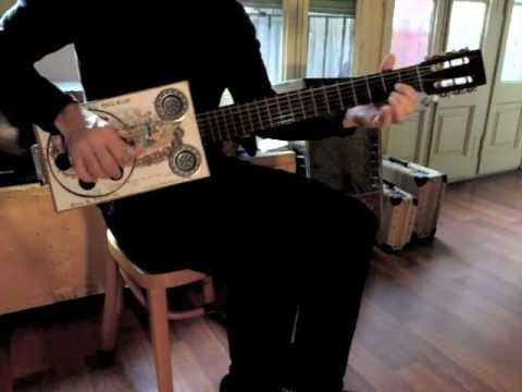 Dobro (Guitarra Resonadora)
