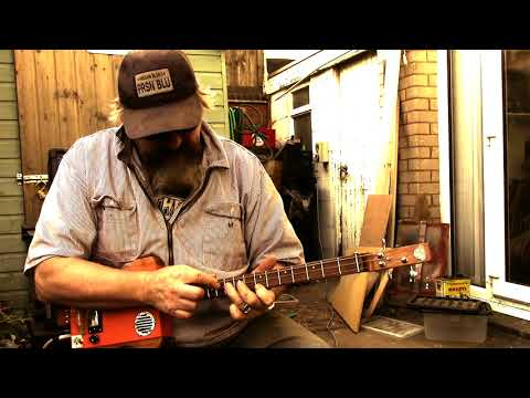 "ZZ Top's ""25 Lighters"" on cigar box guitar"