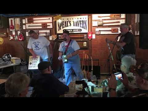 Shane Speal & the Snakes play The Star Spangled Banner live