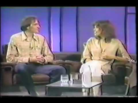 Carly Simon and James Taylor on Dick Cavett show 1977