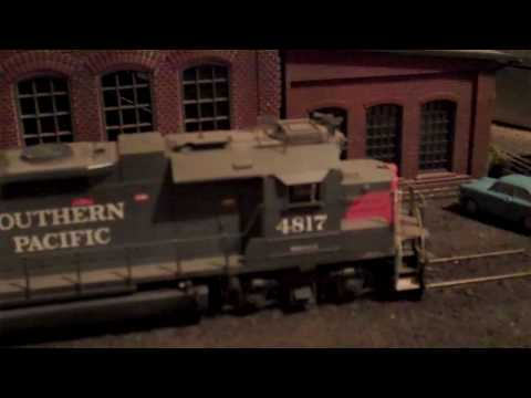 Southern Pacific GP38-2 WestBay Club roundhouse