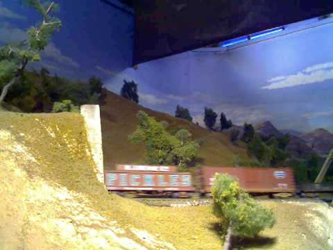 YouTube: Model Railroad Show: Rio Grande freight with Challenger video 1