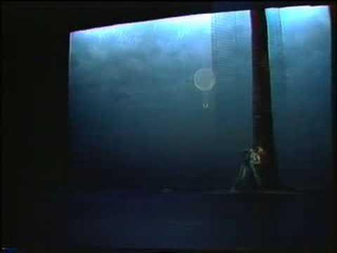 TREE SONG.Carolyn CARLSON-René AUBRY.  THÉÂTRE DE LA VILLE (1984)