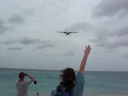 WinAir PJ-WIH over Maho Beach