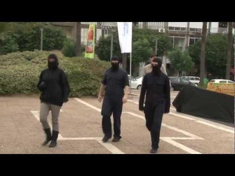 """Silent Scream"" : activists branded alive in a shocking demo in Tel-Aviv!"