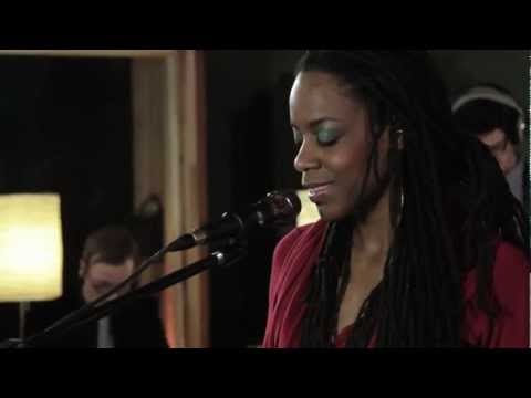 Akua Naru - Poetry: How Does It Feel Now??? (Live Performance)   SoulCulture.co.uk